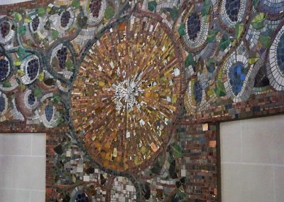 Mosaik hinter Altar